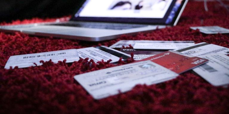 Jak bezpiecznie płacić za zakupy internetowe?