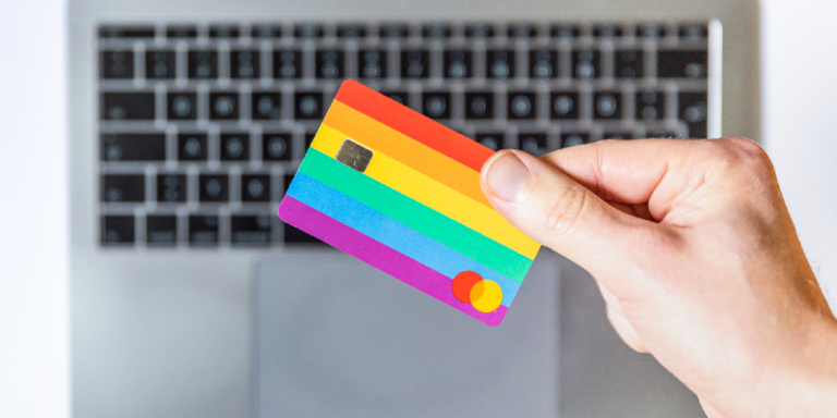 Co jest lepsze: karta kredytowa czy płatności odroczone?